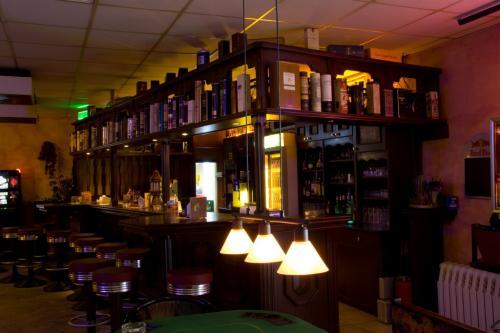 Bar 006